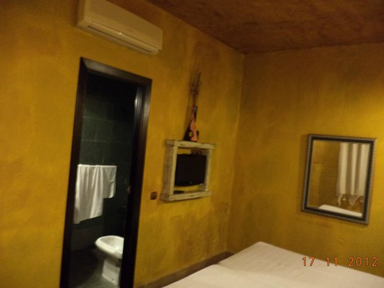 Apartamentos El Tiempo: room1