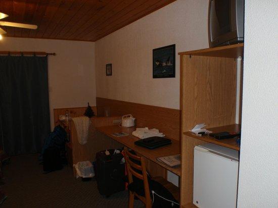 Motel Ours Bleu: Le coin repas dans la chambre