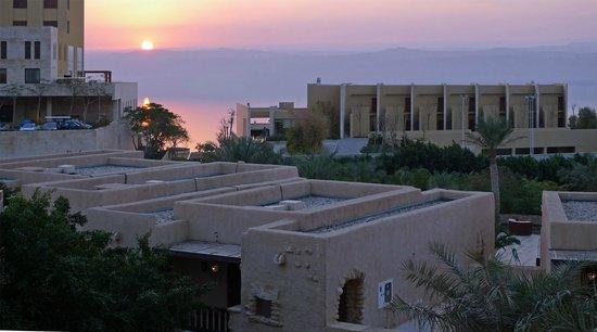 โมเวนพิค รีสอร์ทt & สปาเดดซี: Solnedgång över Döda Havet