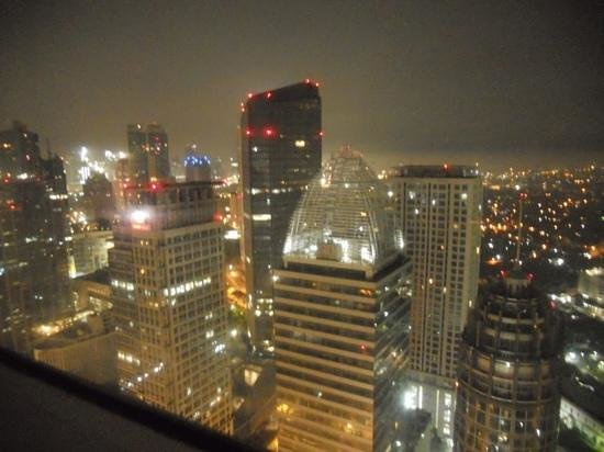 HARRIS Suites FX Sudirman: night view