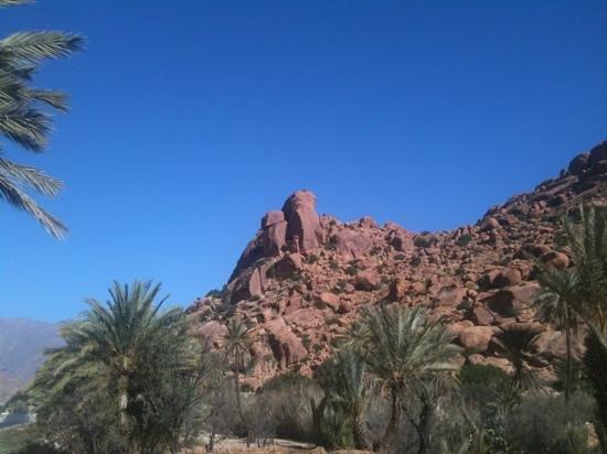 Tafraoute, Maroc : les collines au nord de trafraoute