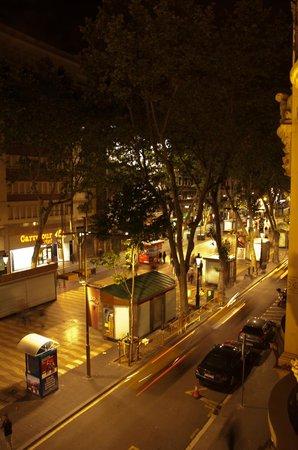 Citadines Ramblas Barcelona: Widok z okna pokoju