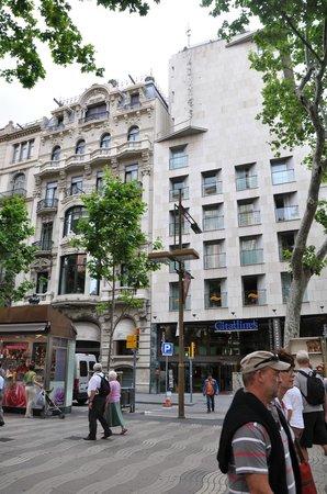 Citadines Ramblas Barcelona: Hotel