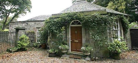Dunesk Lodge - Beautiful Gate House
