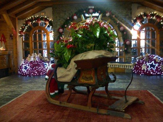 Sport Hotel: Hotel Lobby - Dec 25, 2012