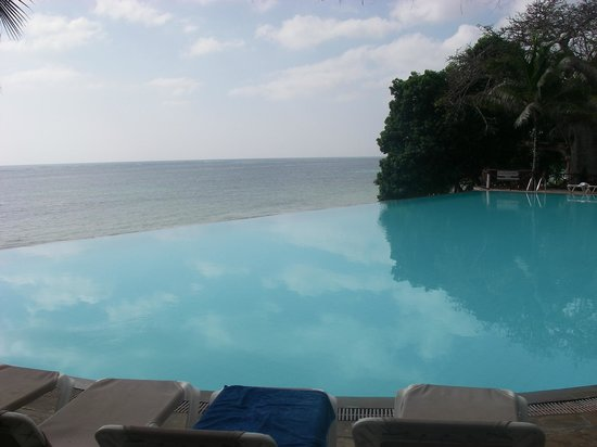 The Baobab - Baobab Beach Resort & Spa: Infinity Pool, Kole Kole, Baobab Hotel