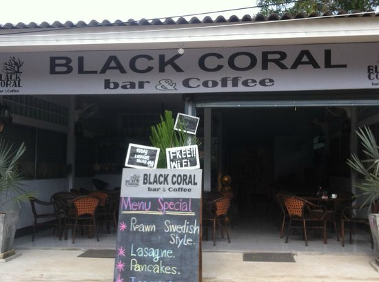 Black Coral Bar Coffee: Easy to find opposite post office near saladan