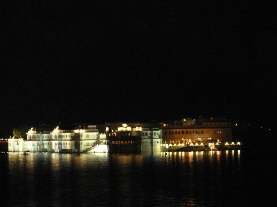 Lal Ghat Guest House: vue de la chambre3