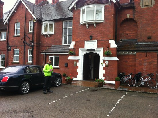 Tern Hill Hall: Hotel entrance, our bikes, backup car