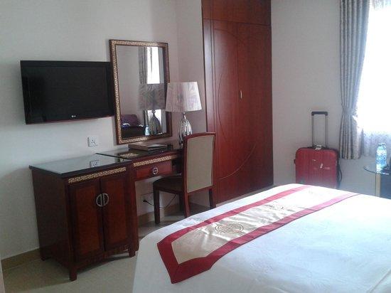 Ha Hien 2 Hotel: Neat room