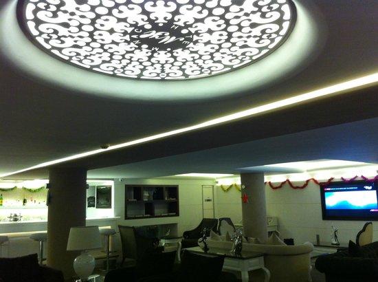 Monaco Hotel Istanbul: plafond