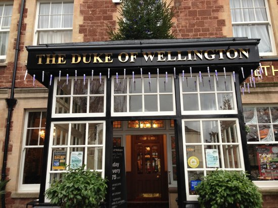 horrible place to eat picture of duke of wellington. Black Bedroom Furniture Sets. Home Design Ideas