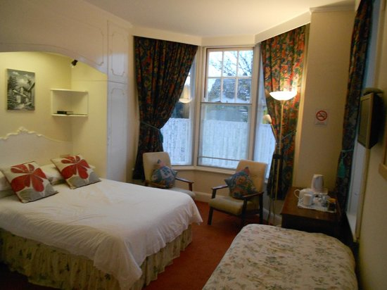 Miramar Guesthouse: Family double room