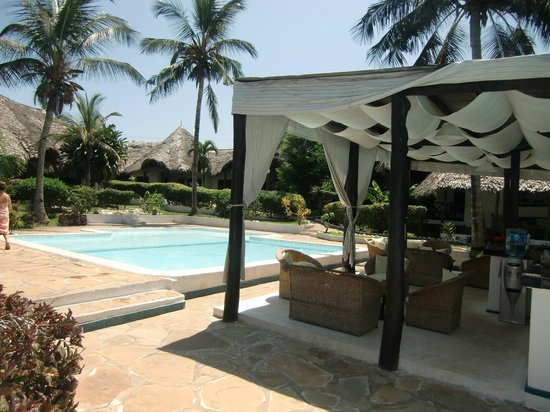 Dorado Cottage: Piscina e bar