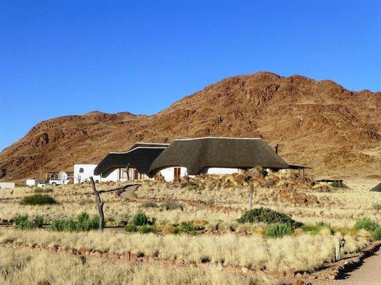 Desert Homestead Lodge: Hauptgebäude: https://www.tripadvisor.co.uk/LocationPhotoDirectLink-g479221-d658927-i54862964-Desert_Homestead_Lodge-Namib_Naukluft_Park_Khomas_Region.html