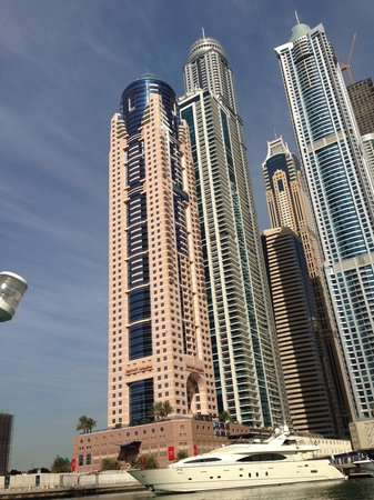 Dubai Marriott Harbour Hotel & Suites: Hotel view