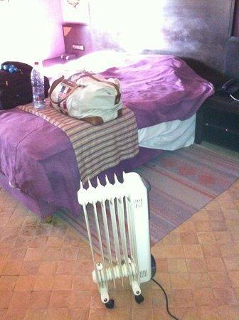 Rose Garden Resort & Spa: Notheizung im Schlafzimmer