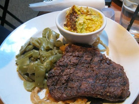 Cheddar's Scratch Kitchen: steak