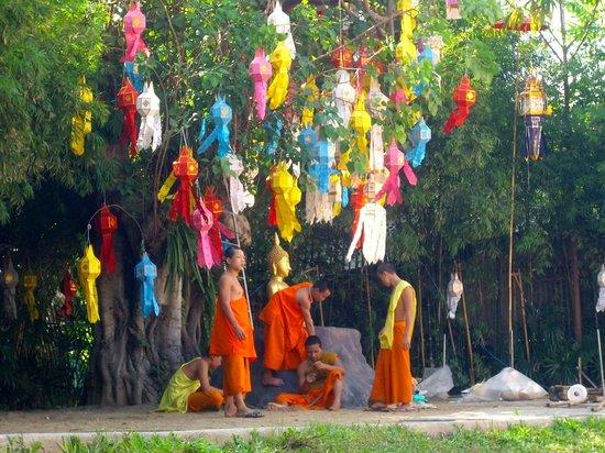 Wat Pan Tao: Prepare for Loh Khratong