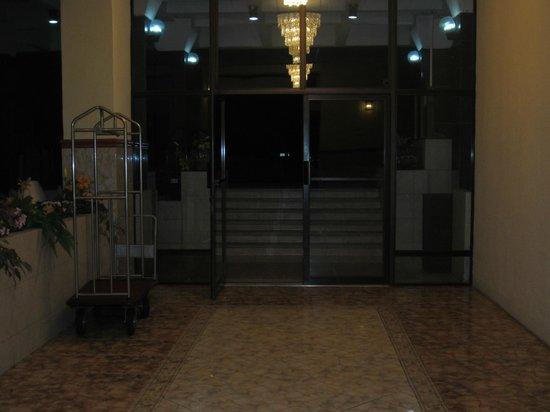 Hotel La Riviera de Atitlan: lobby entrance