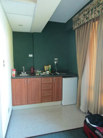 Hotel La Riviera de Atitlan: kitchenette