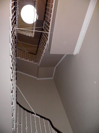 Destination Edinburgh York Place Apartments: 3flights of staircase to walk up