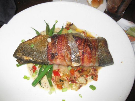 333 Belrose Bar and Grill: fish special