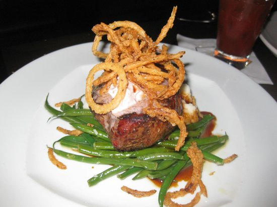 333 Belrose Bar and Grill: Steak special