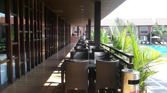 The Golden Crown Hotel & Spa Colva: Outside dining room