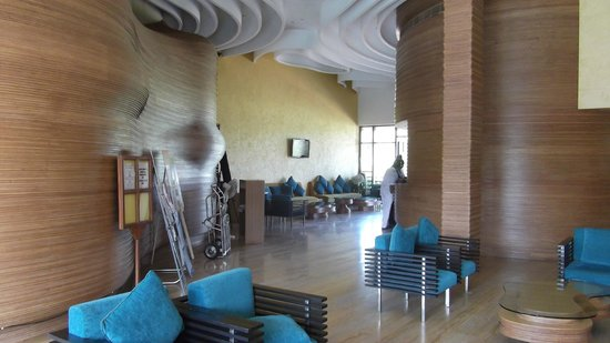 The Golden Crown Hotel & Spa Colva: Hotel Reception