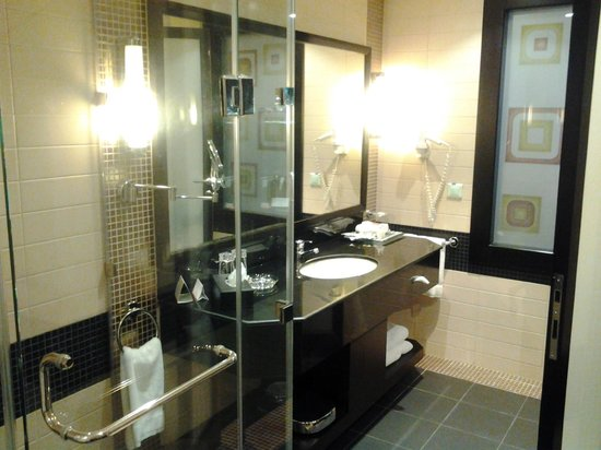 Crowne Plaza Al Khobar: Washroom