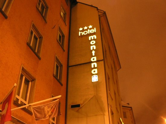 Hotel Montana at night