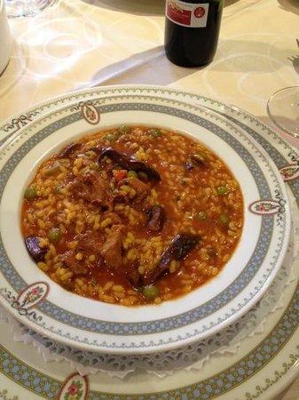 El Rincon de Bernardo : arroz con niscalos. especialidad de la casa.