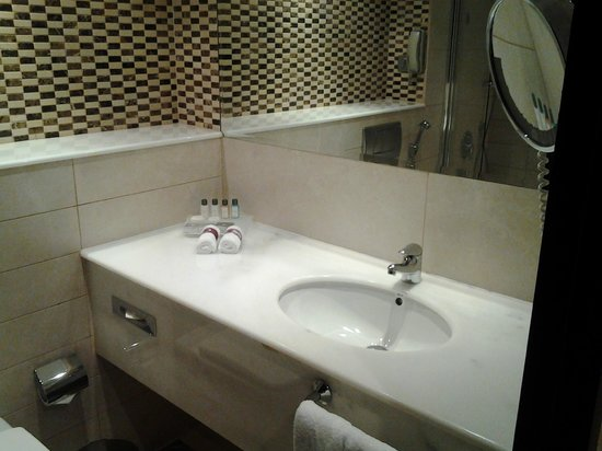 Crowne Plaza Jeddah: Washroom