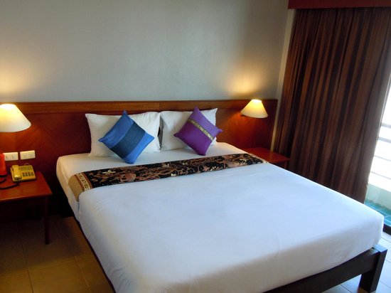 C & N Hotel: lit