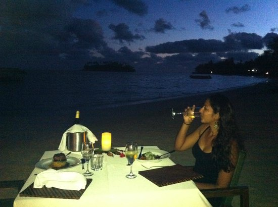 Pacific Resort Rarotonga: dinner on the beach