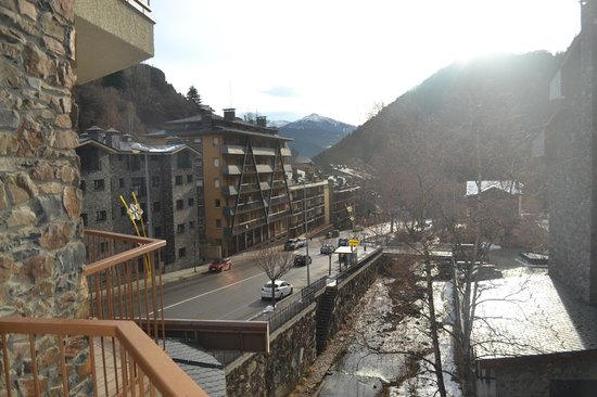 St Gothard Hotel: View of mountians and river from room
