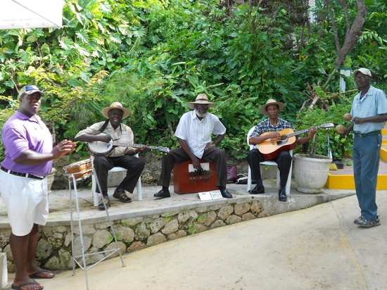 Sandals Royal Plantation : Beach butler, Adrian,and gardener,Mr. Black, join the band