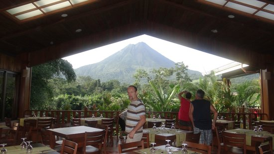 Arenal Manoa Hotel: view from the dinning area