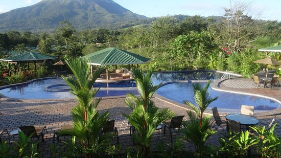 Arenal Manoa Hotel: the upper pool area