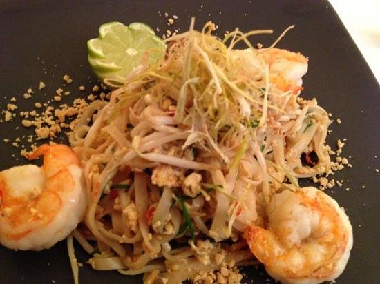 Essensia: Thai Pad Thai with king prawns