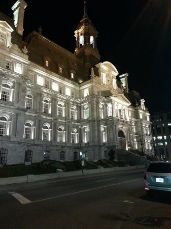 Hotel Nelligan: Nearby City Hall