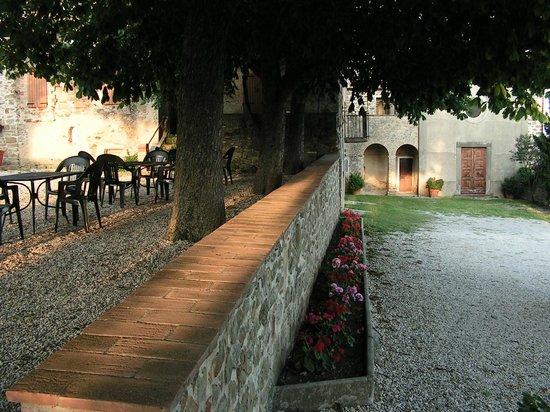 Relais Borgo Torale: Torale is an historic set of buildings including a chapel