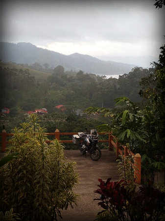 Costa Rica Motorcycle Tours: BMW @ Arenal