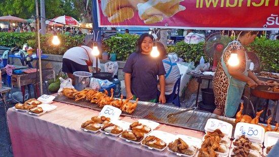 Regent Chalet Regent Beach Cha-Am: Night market in Cha-am