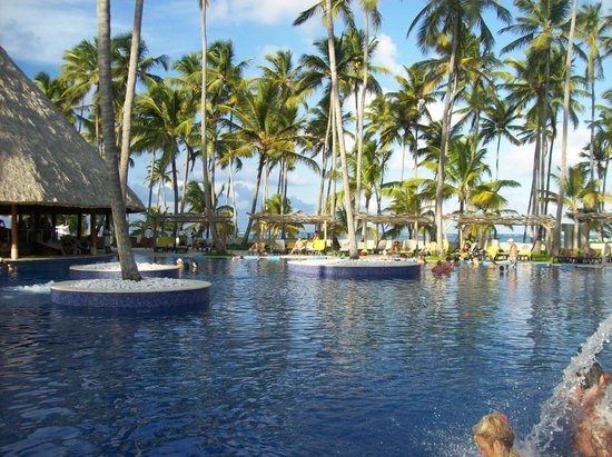 Barcelo Bavaro Beach - Adults Only : la piscine