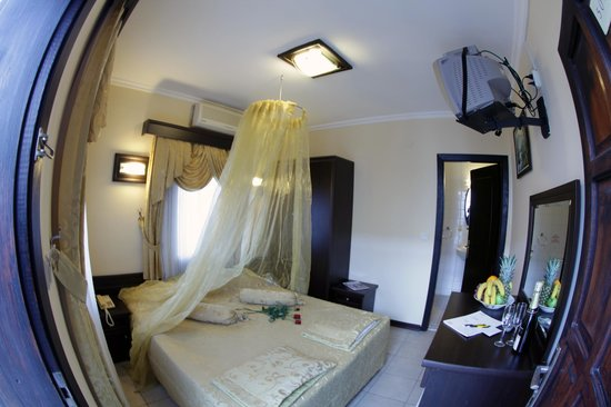 Alvin Hotel: HONEYMOON ROOM