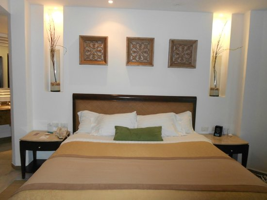Moon Palace Cancun : King Size Bed