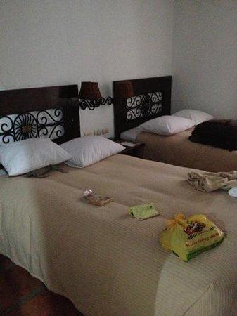 Inti Inn Hotel: habitación