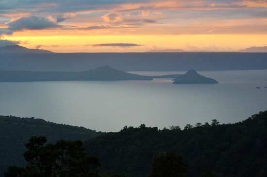 Days Hotel Tagaytay: View of Taal lake from room terrace